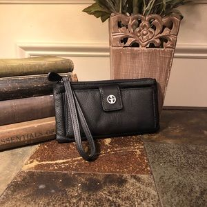 GIANI BERNINI Leather Wristlet